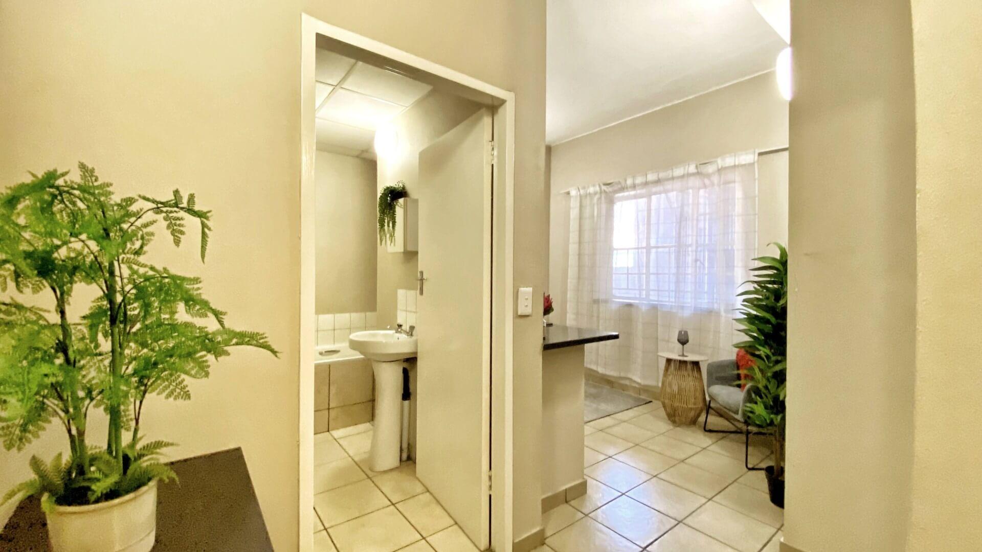 property-7995379-33689060_o